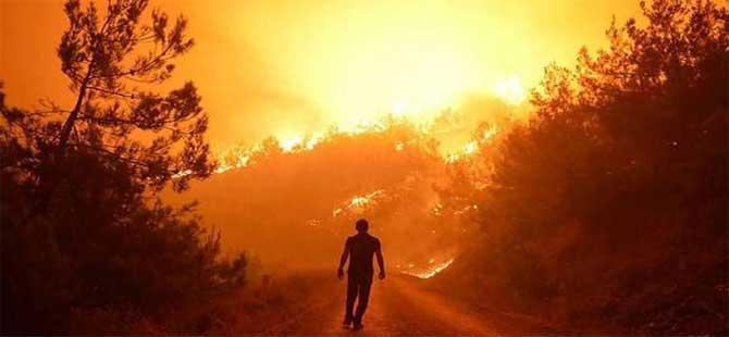 İzmir'deki orman yangını Turgutlu sınırına ulaştı: Vatandaşlar tahliye ediliyor