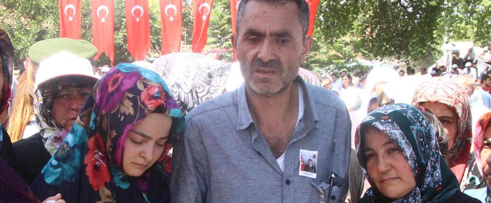Şehit Astsubay'ın cenazesine FETÖ'den tutuklu kardeşi de katıldı