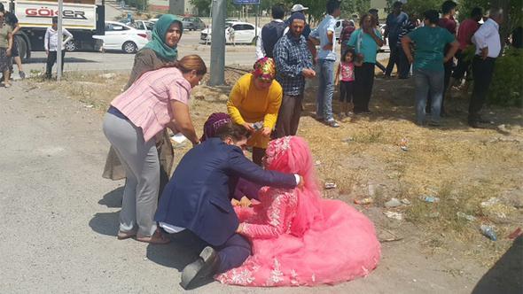 Düğün konvoyu kaza yaptı, ilk müdahale CHP'li vekillerden
