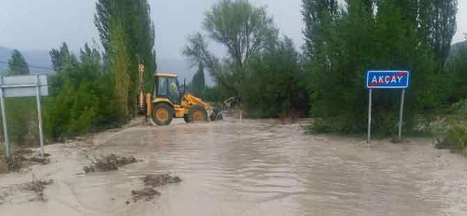 Şiddetli yağış sele neden oldu