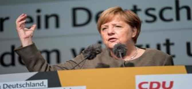 Merkel 4. kez başbakan seçildi, ama gerekli oyu zor tutturdu