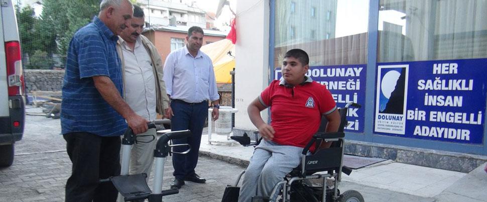Engellilerden, engelliye bayram hediyesi