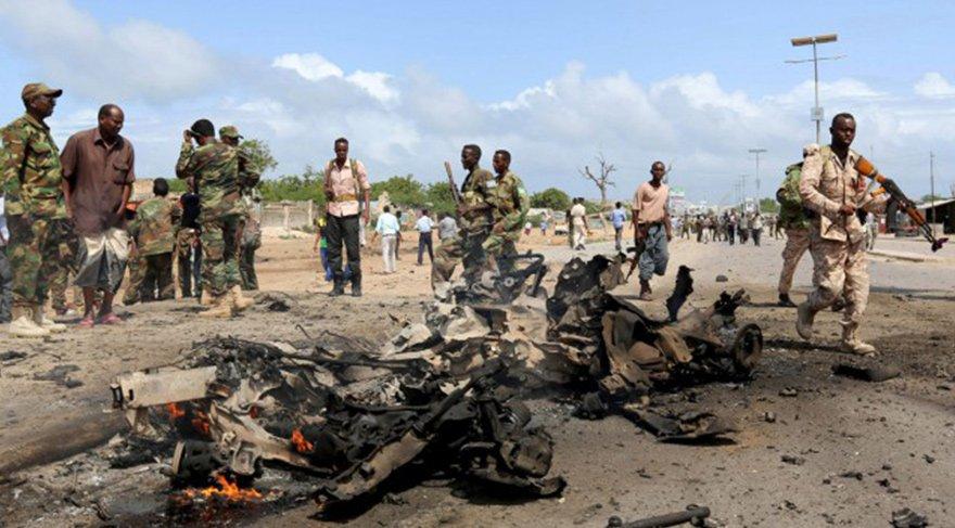 Somali'de askeri üsse bombalı saldırı: 17 ölü