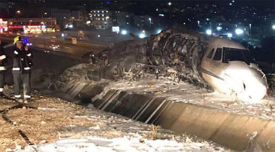 Atatürk Havalimanı'nda jet düştü! Ölü ve yaralılar var