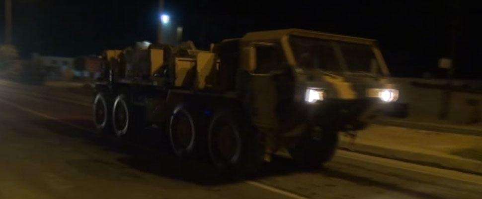 Sınırda askeri araç sevkiyatı hareketliliği