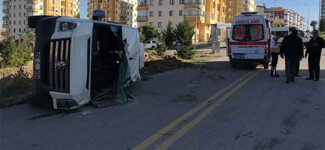 Ankara'da öğrenci servisi devrildi!.. Yaralılar var!