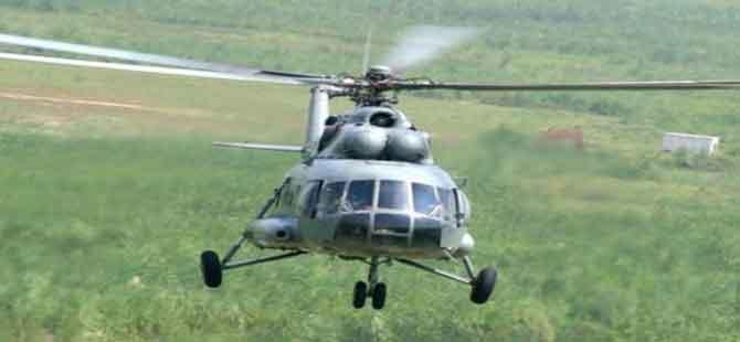 Hindistan'da askeri helikopter düştü!