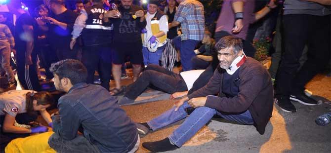 Servis midibüsü TIR'a çarpıp devrildi: 29 yaralı