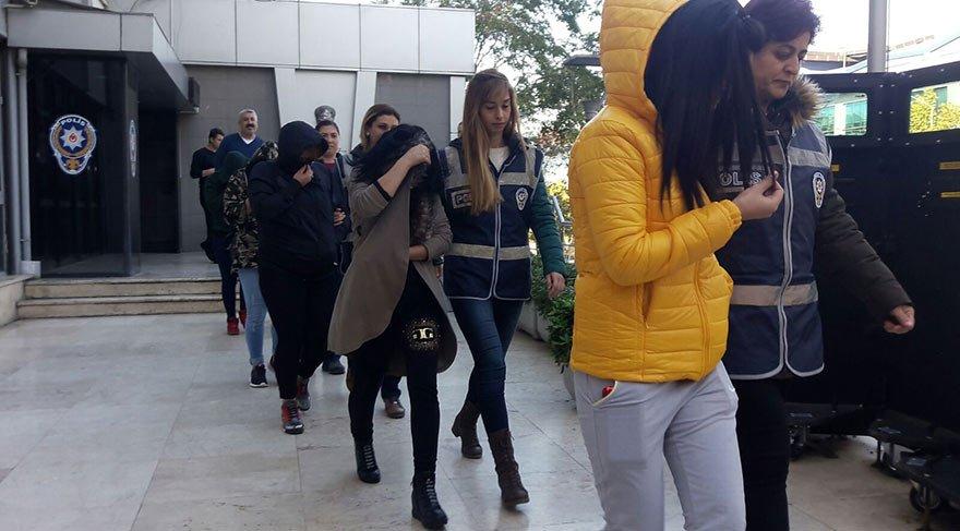 Bursa'da lüks villada 'swinger partisi' düzenleyen çifte gözaltı