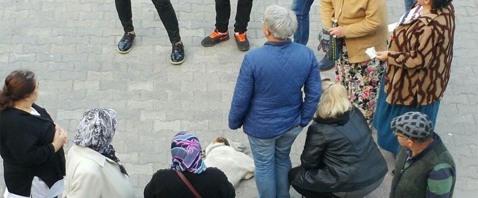 Bayılan köpek için yardıma koştular