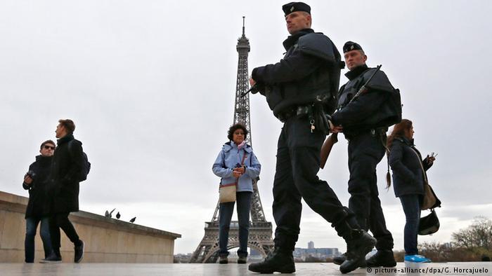 Fransa'da OHAL iki yıl sonra sona erdi