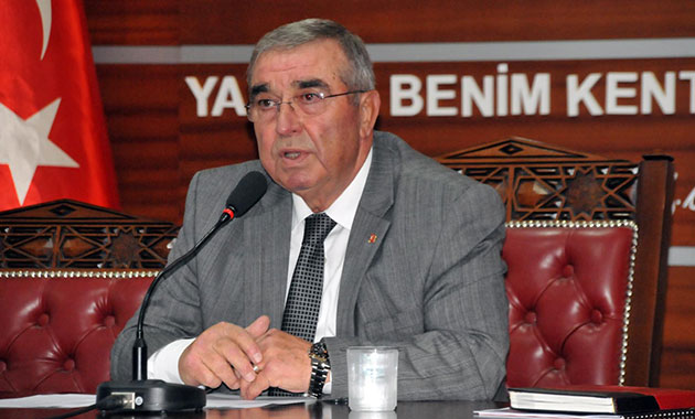 AKP'li eski vekile FETÖ'den hapis cezası
