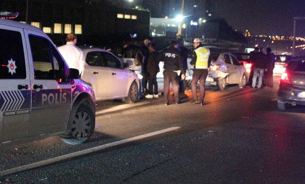 TEM'de zincirleme kaza! Arabayı bırakıp kaçtı