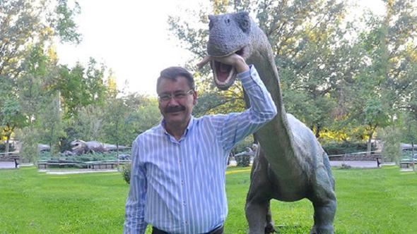 Gökçek'ten 'dinozor' açıklaması!