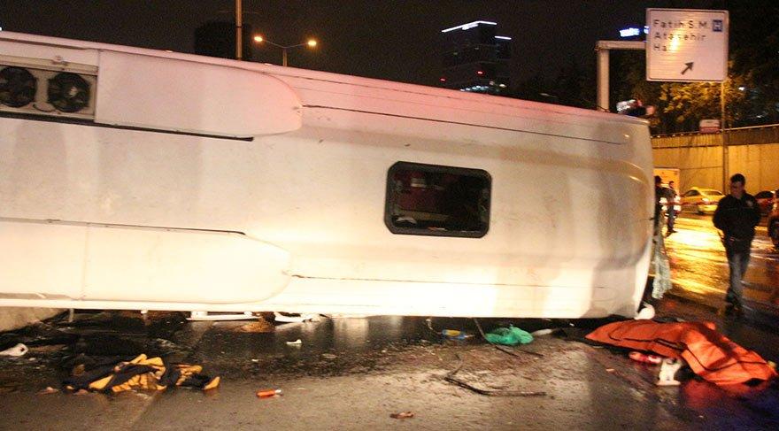 Bostancı'da midibüs devrildi! 2 ölü ve 9 yaralı..