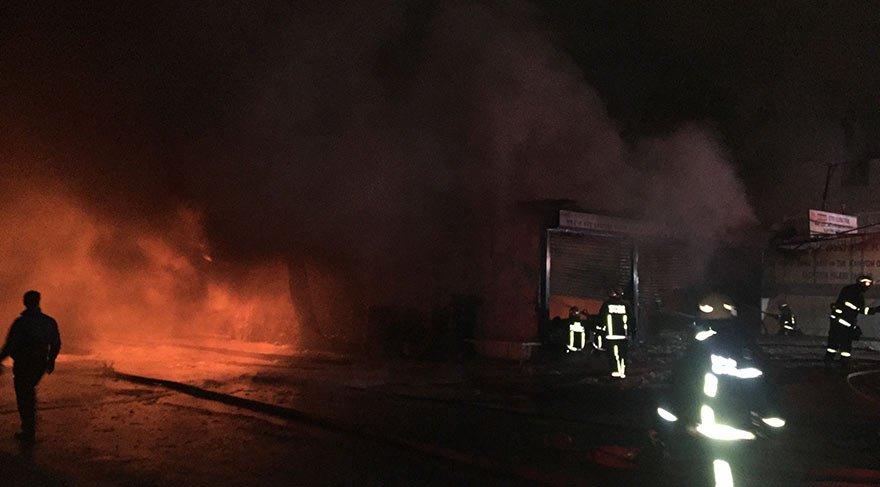 Halkalı'da lastik fabrikasında yangın