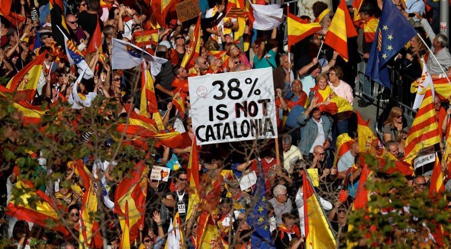 İspanya'dan flaş Katalonya kararı