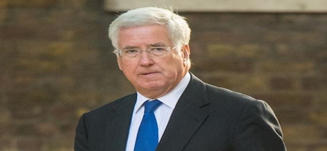 İngiltere Savunma Bakanı istifa etti!