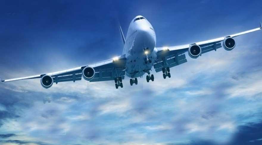 Uçak İstanbul'a 'acil' iniş yaptı