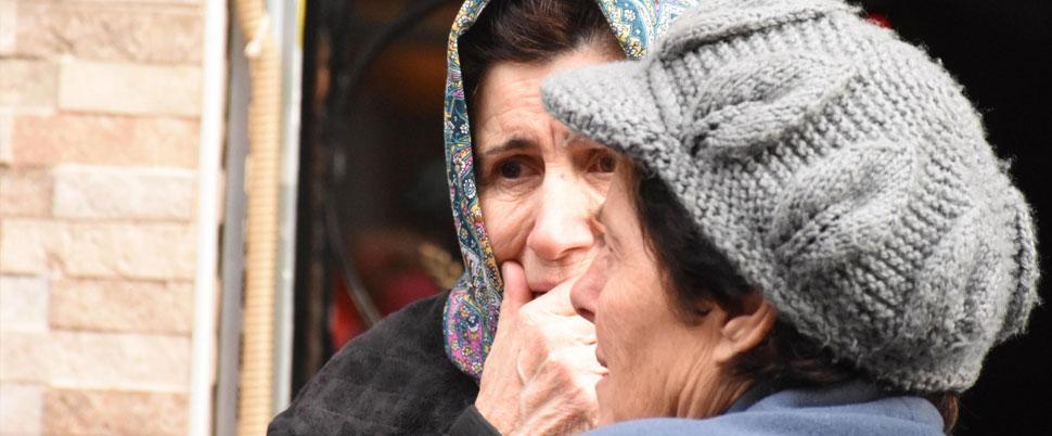 Yaşlı kadın yanarak öldü