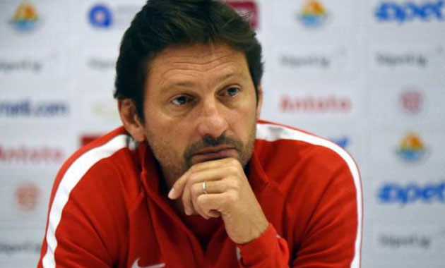 Antalyaspor Teknik Direktörü Leonardo Araujo görevi bıraktı