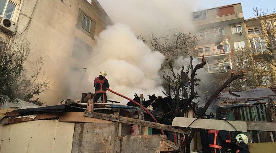 İstanbul Üsküdar'da büyük yangın