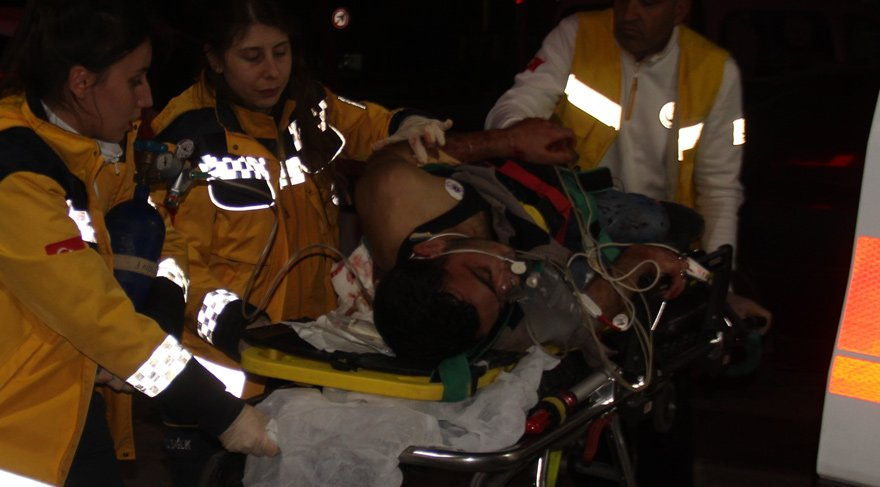 Suriyeliler arasında bıçaklı kavga: 3 yaralı