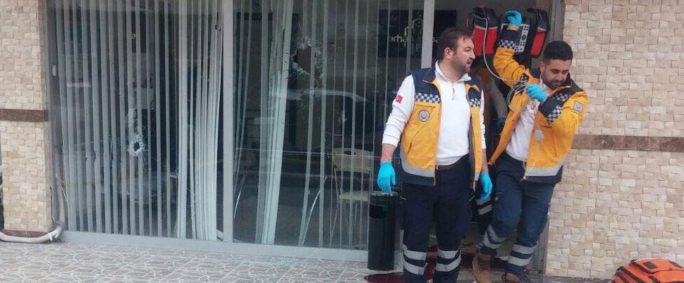 Müteahhitlik ofisinde silahlı kavga: 3 ölü