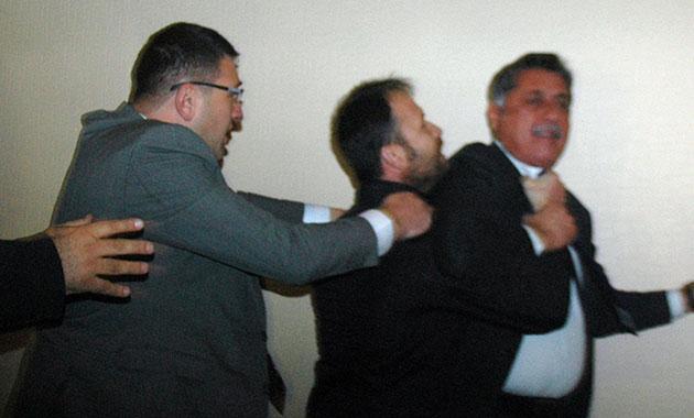 Afyonkarahisar'da CHP kongresinde arbede