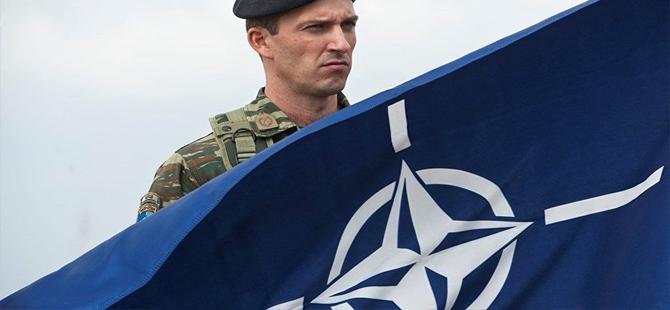 'Yunan askerler NATO üssünü korumayı reddetti'