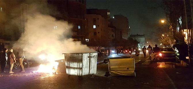 İran'da hayatını kaybedenlerin sayısı 12'ye yükseldi
