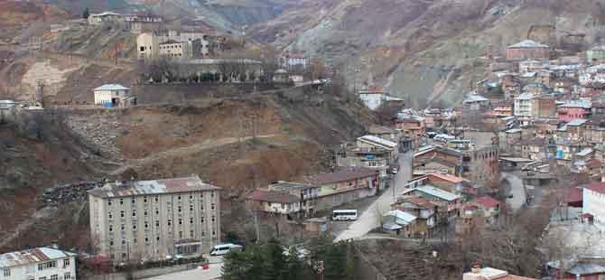 Maden'de 'ciddi heyelan riski' uyarısı