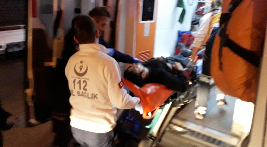 Manisa'da bıçaklı sopalı kavga! Biri ağır 2 yaralı