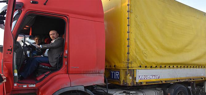 CHP'li Erdoğdu ve CHP'li Yalım TIR sürerek Ankara'ya gidiyor
