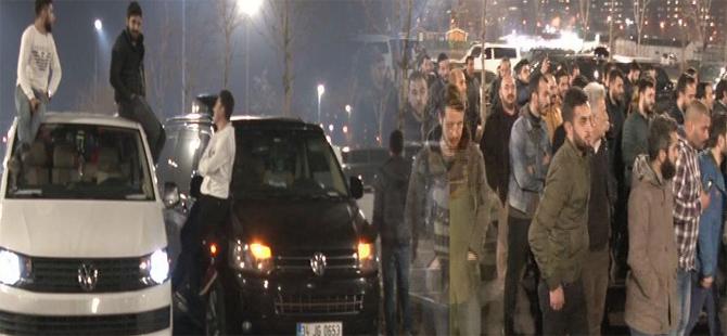 """UBER üyesi sürücülerden """"ruhsat iptali"""" protestosu"""
