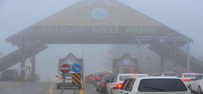 Uludağ Milli Parkı'na girişte oluşan araç kuyruğunun nedeni belli oldu