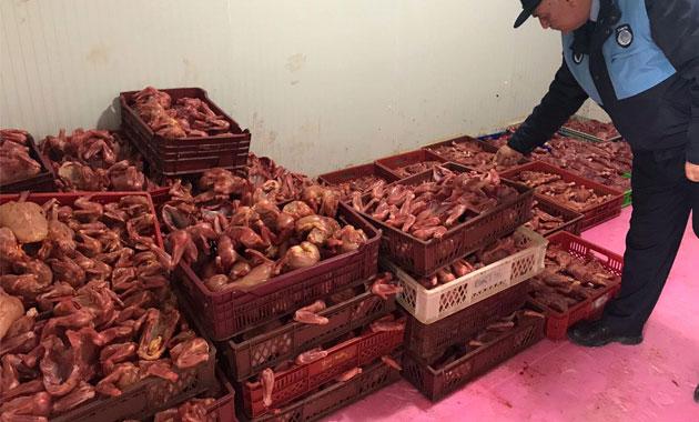 800 kilo kokmuş tavuk eti ele geçirildi