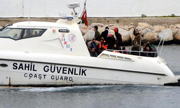 Bodrum'da lastik botta 56 kaçak yakalandı