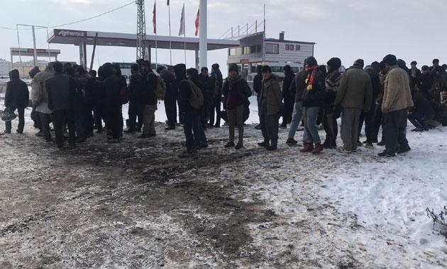 Kaçaklar 'İstanbul' diye Kars'ta bırakıldı