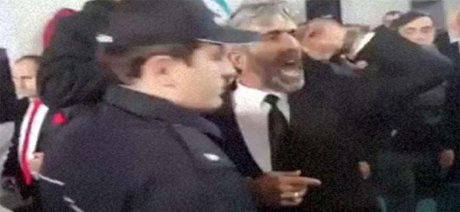 AKP kongresi karıştı, polis müdahale etti!