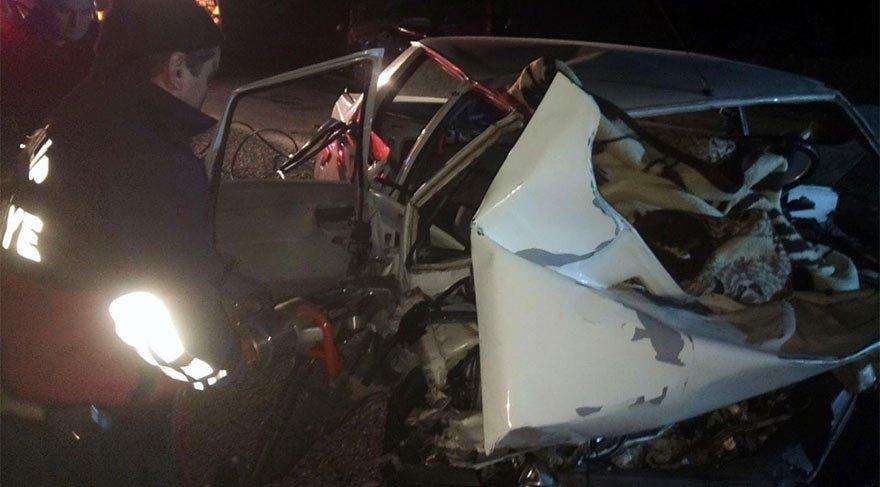 Çorum'da feci kaza! Otomobiller hurdaya döndü: 3 ölü, 1 yaralı