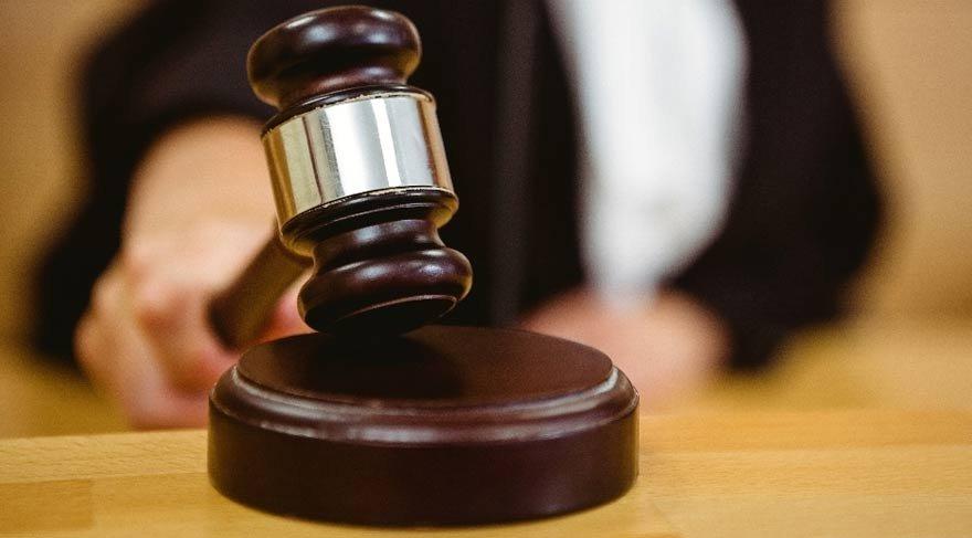 Kadın cinayeti davası karar sonrası adliye önü karıştı: 3 yaralı