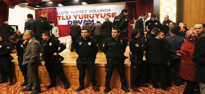 AKP kongresinde 'FETÖ' iddiası ortalığı karıştırdı