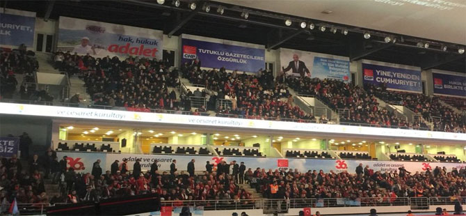 CHP kurultayında ekranda Erdoğan!