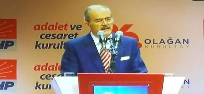 Yılmaz Büyükerşen Divan Başkanı seçildi