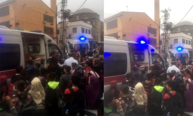 Diyarbakır'da zehirlenme şüphesi ile 20 öğrenci hastaneye kaldırıldı
