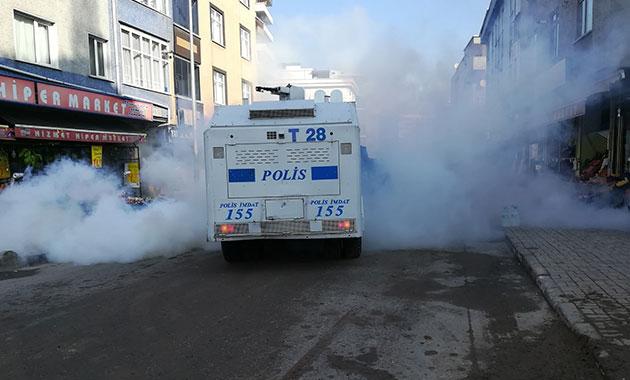 Bağcılar'da pazarcılara biber gazı ve tazyikli suyla müdahale