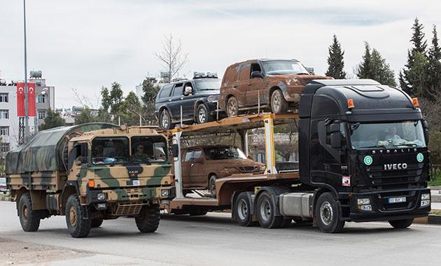 Afrin'e ÖSO ve silahlı kamyonet sevkiyatı