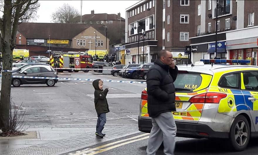 Londra'da patlama! Siren sesleri yükseliyor