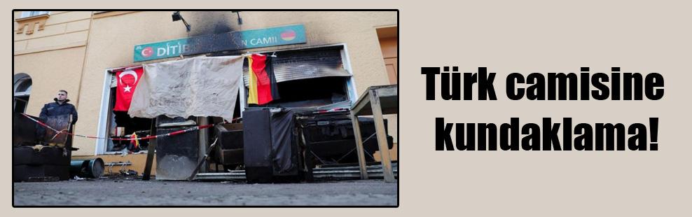 Türk camisine kundaklama!